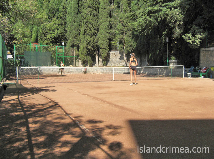 "Санаторий ""Ай-Петри"", теннисный корт."