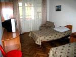Санаторий Алуштинский,двухместный номер с удобствами, корпус номер 4.