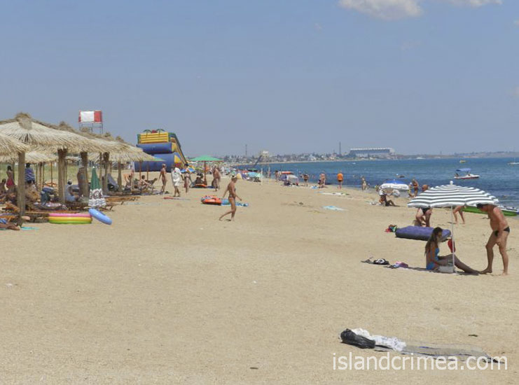 """База отдыха """"Прибой"""", пляж"""