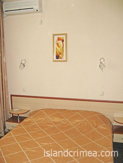 """Отель """"Демерджи"""", двухкомнатный люкс."""
