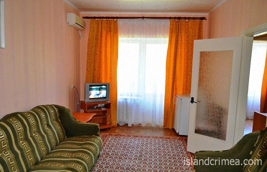 """Пансионат """"Энергетик"""", корпус 4, 2-комнатный номер ПК, гостиная"""