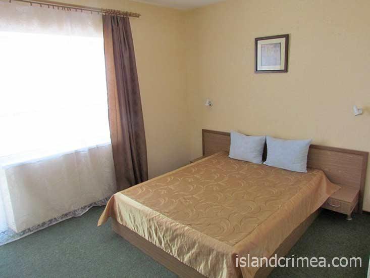 """Гостиница """"Ассоль"""", 2-м стандарт с двуспальной кроватью, корпус 8"""