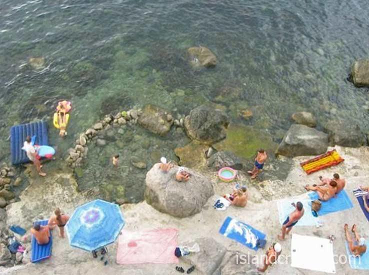 """Пляж у гостиницы """"Ассоль"""""""
