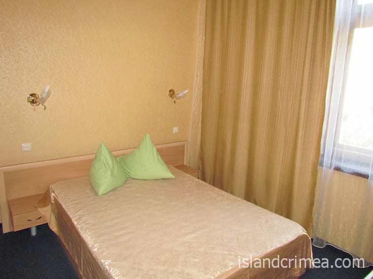 """Гостиница """"Ассоль"""", 2-м стандарт горы с двуспальной кроватью, корпус 7"""