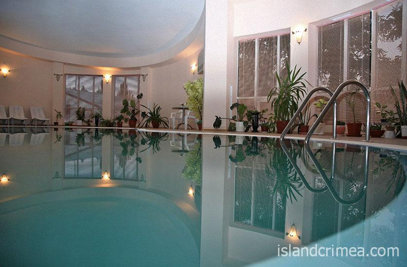 """Гостиница """"Лидия"""", крытый бассейн"""