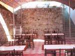 """Гостиница """"Ливадия"""", внутренний дворик, обеденные столики"""