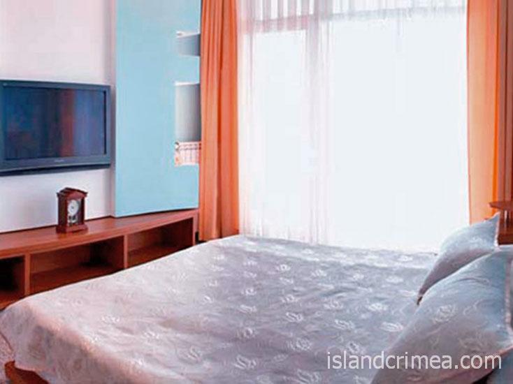 """Отель """"Маджестик"""", апартаменты, спальня."""