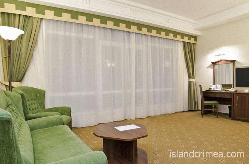 """Курорт-отель """"Пальмира-Палас"""", люкс А, гостиная"""