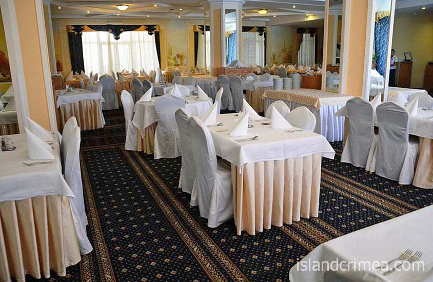 """Ресторан """"Paradiso"""" курорт-отеля """"Пальмира-Палас"""""""