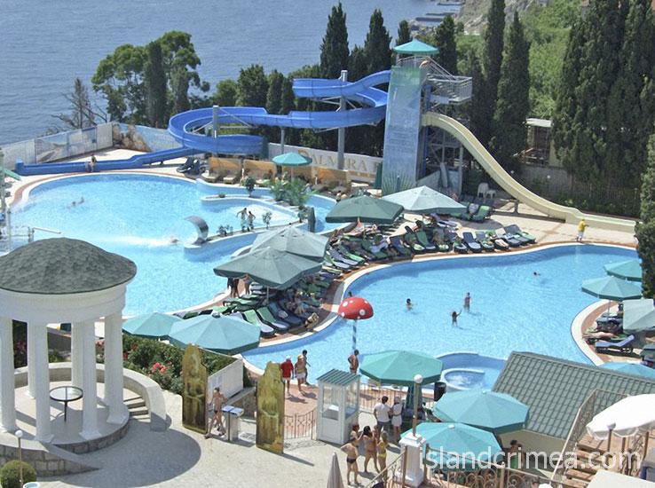 """Курорт-отель """"Пальмира-Палас"""", водные горки у бассейнов"""