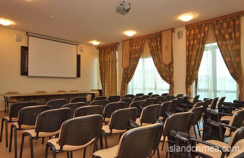 """Конференц-зал отеля """"Веселый Хотэй"""""""