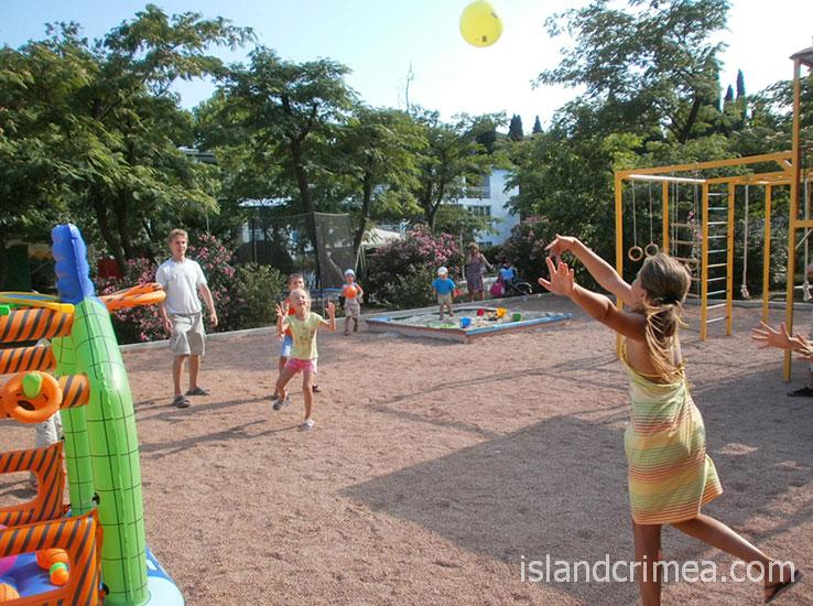 """Парк-отель """"Марат"""", детская площадка."""