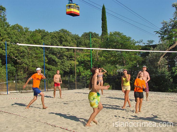 """Парк-отель """"Марат"""", волейбольная площадка."""
