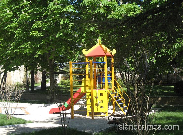 """Отель """"Алые паруса"""", детская площадка"""