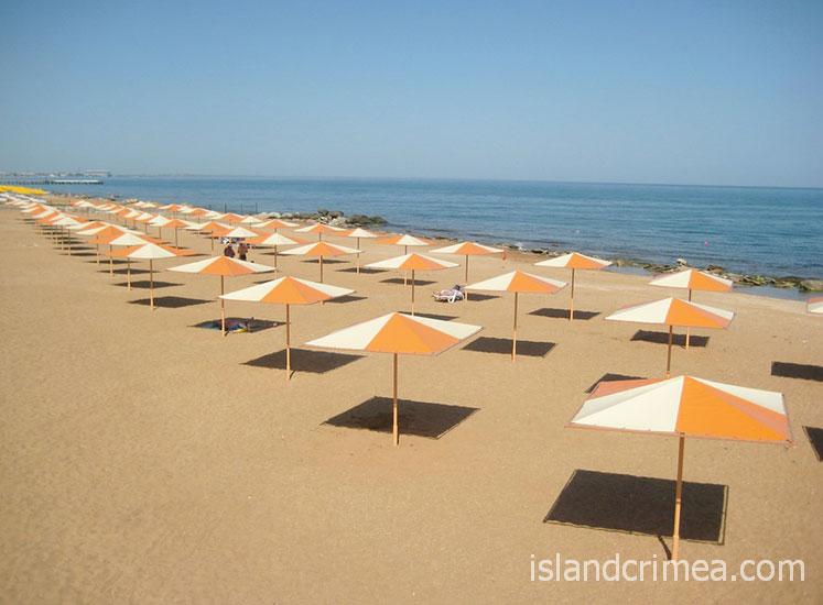 """Отель """"Алые паруса"""", пляж"""
