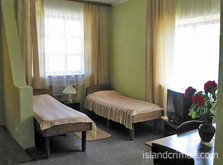 """Курортный отель """"Бастион"""", корпус 4, двухкомнатный двухуровневый номер"""