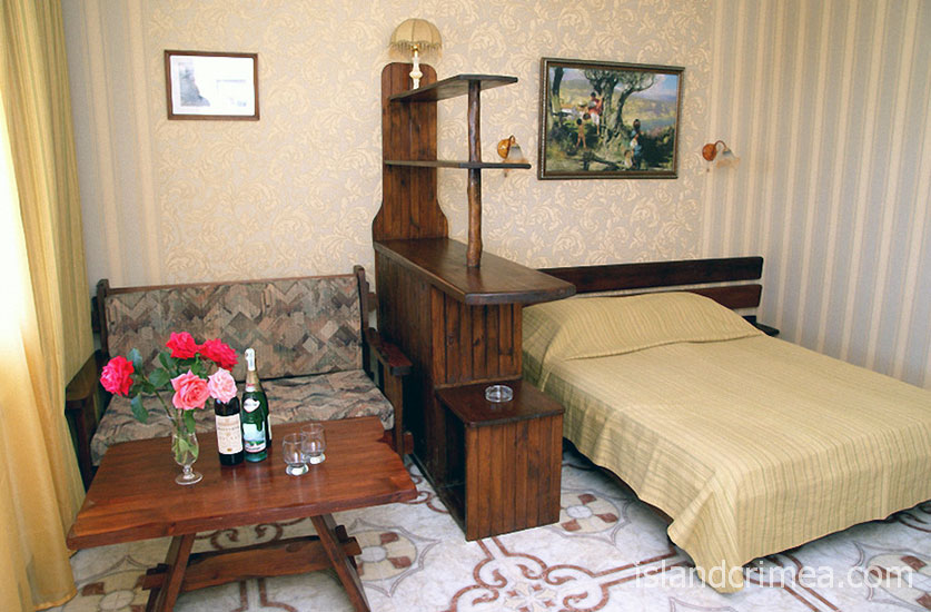 """Курортный отель """"Бастион"""", корпус 1, двухместный номер без балкона"""