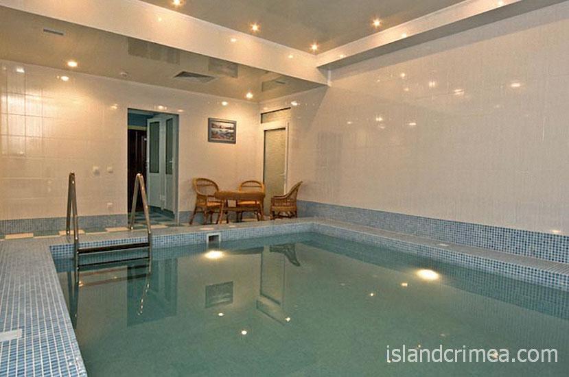 "Дайвинг-отель ""Белый грифон"", бассейн"