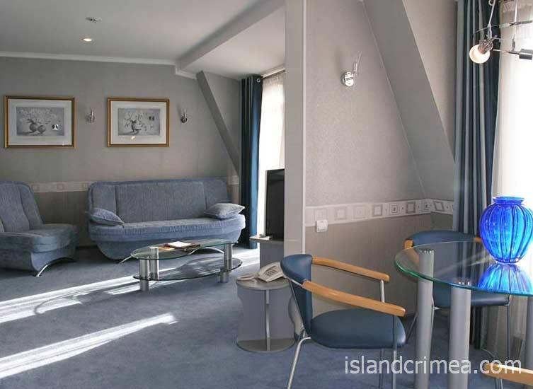 """Отель """"Бристоль"""", апартамент VIP Lord, гостиная"""