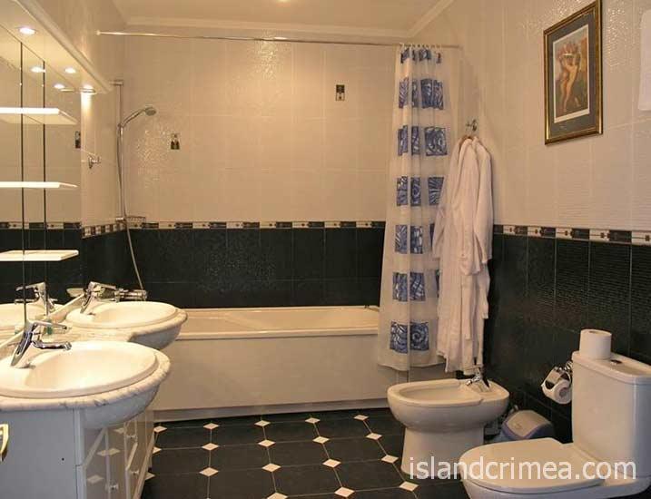 """Отель """"Бристоль"""", апартамент VIP Lord, санузел"""