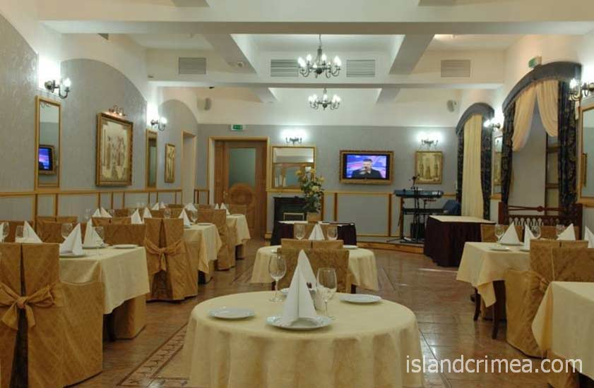 """Ресторан отеля """"Бристоль"""""""