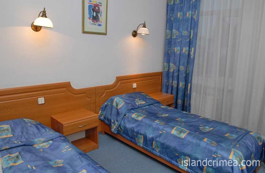 """Отель """"Бристоль"""", номер стандарт юг, раздельные кровати"""