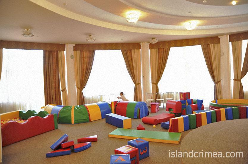 """Детская комната в отеле """"Империя"""""""