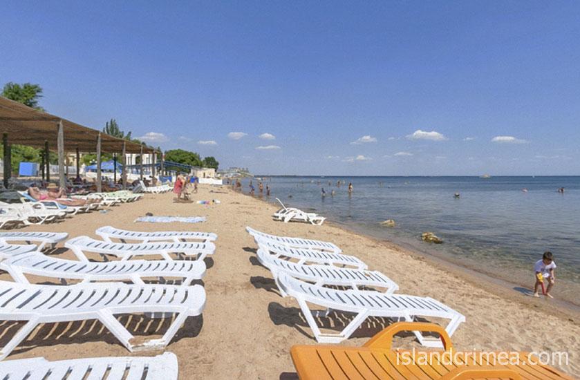 """Пляж отеля """"Империя"""""""