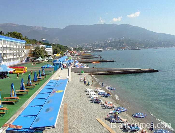 """Пляж эко-отеля """"Левант"""""""