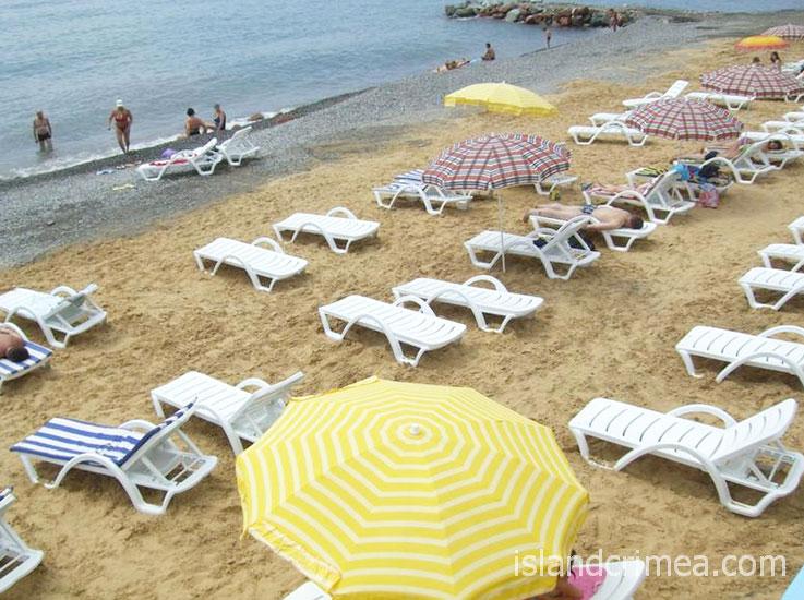 """Отель """"Морской"""", пляж."""