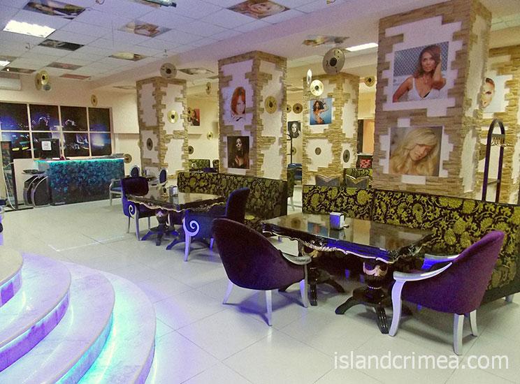 """Отель """"Ukraine Palace"""", караоке бар"""