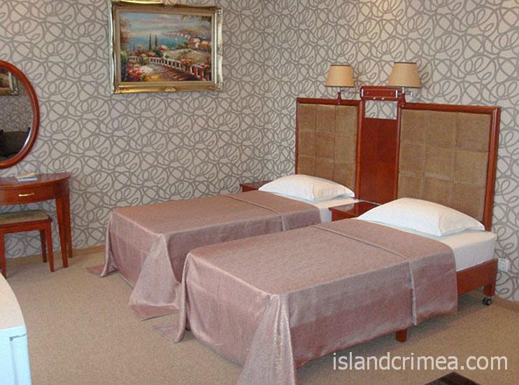 """Отель """"Ukraine Palace"""", двухместный номер стандарт улучшенный"""