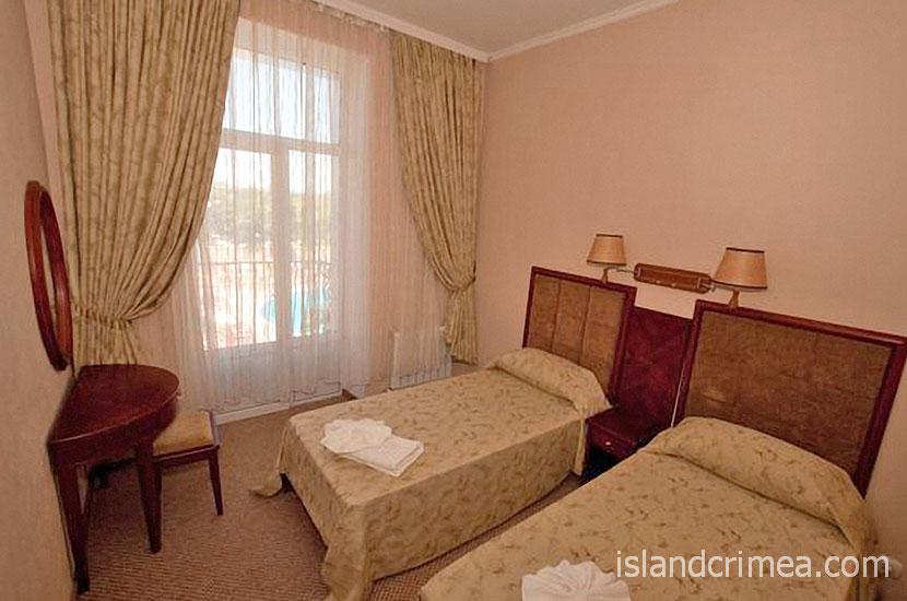 """Отель """"Ukraine Palace"""", номер люкс, спальня"""