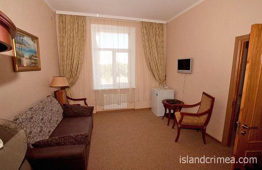 """Отель """"Ukraine Palace"""", номер люкс, гостиная"""
