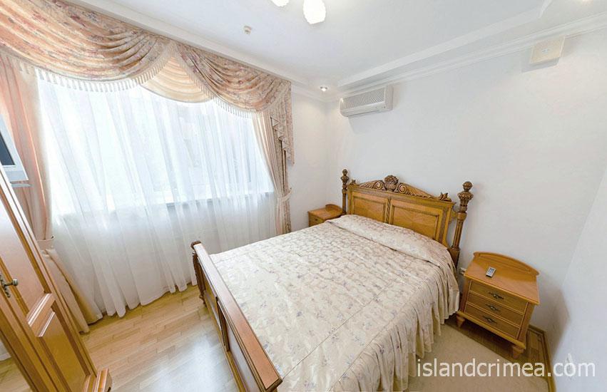 """Пансионат """"Крымская весна"""", коттедж, двухэтажный дуплекс-апартамент, спальня"""