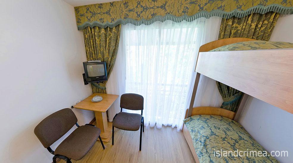 "Пансионат ""Крымская весна"", корпус 1, 2-м номер 2 категории (блок), комната"