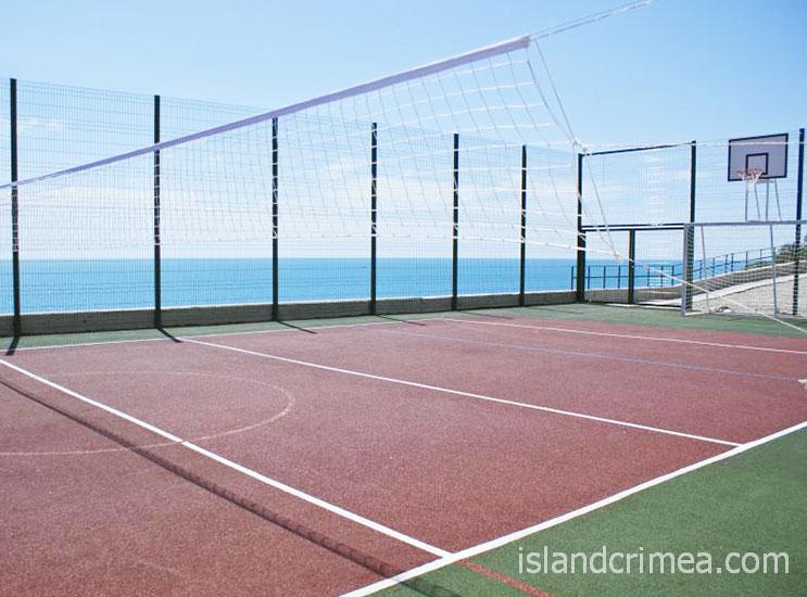 """Теннисный корт пансионата """"Море""""."""
