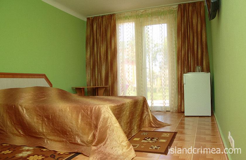 """Пансионат """"Украина-1"""", двухэтажный коттедж, двухкомнатный номер"""