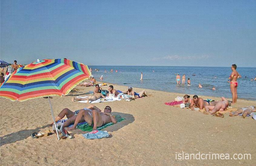 """Пляж пансионата """"Украина-1"""""""