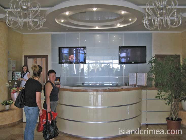 """Курортный комплекс """"Ripario Hotel Group"""", корпус Модерн, регистратура"""