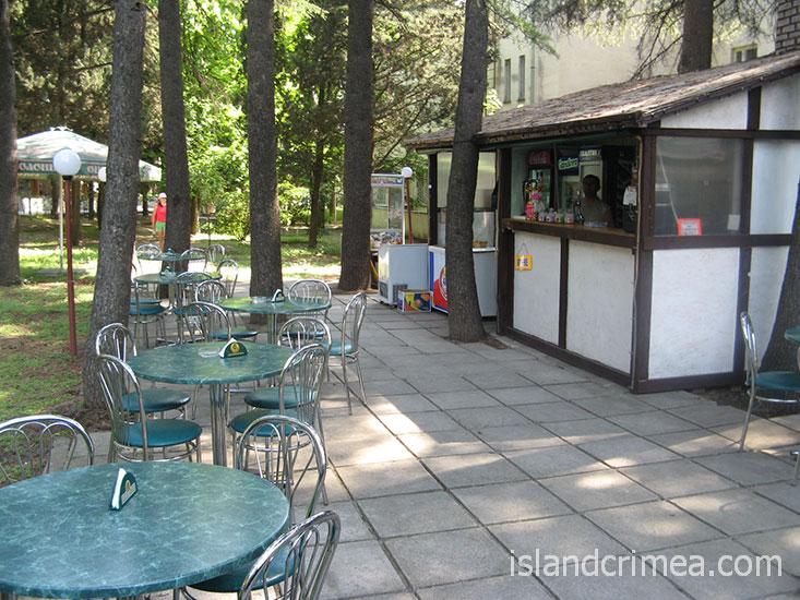 Санаторий Алушта, летний бар.