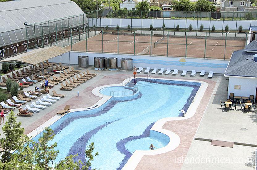 Санаторий имени Пирогова, открытый бассейн