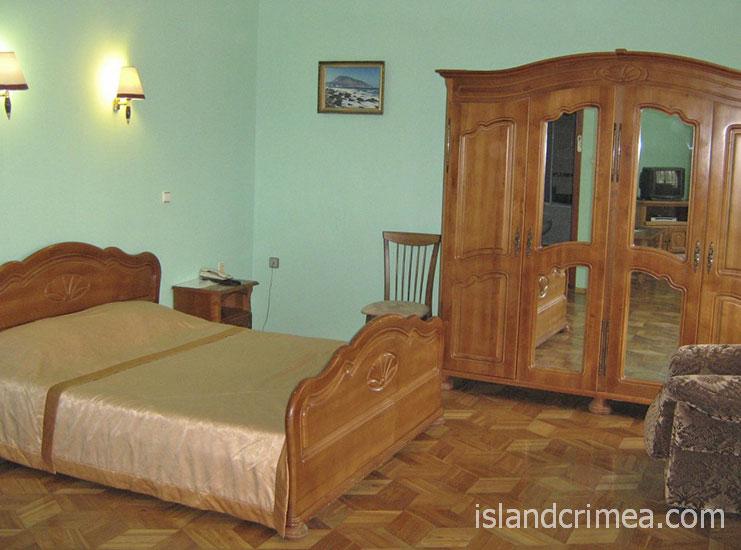 """Санаторий """"Белоруссия"""", корпус 2, джуниор сьюит, спальня"""