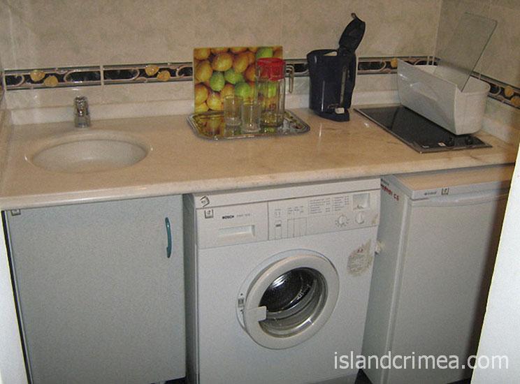"Санаторий ""Белоруссия"", корпус 2, двухкомнатный люкс, кухня"