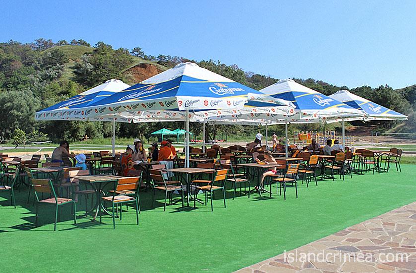 """Санаторий """"Черноморец"""", кафе на пляже"""