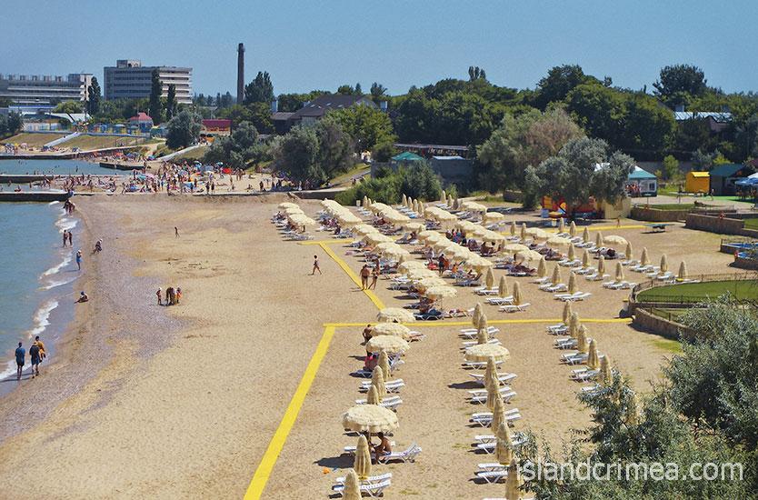 """Пляж санатория """"Черноморец"""""""