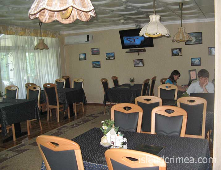 "Санаторий ""Черноморье"", кафе в корпусе 2"