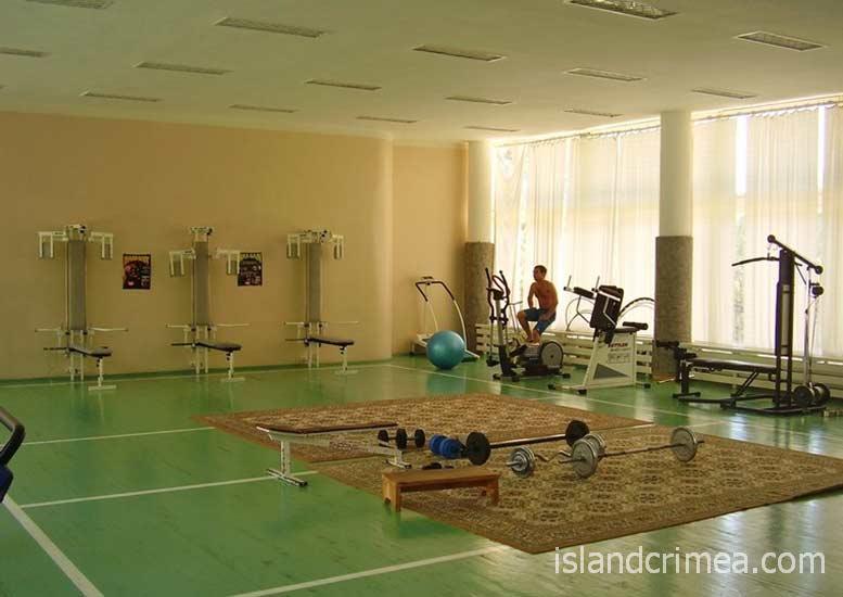 """Тренажерный зал в санатории """"Черноморье"""""""