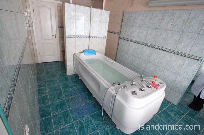 """Санаторий """"Курпаты"""", лечебные ванны"""