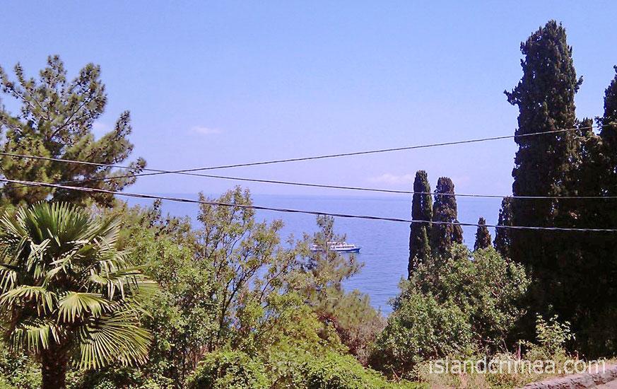 """Санаторий """"Морской уголок"""", вид из балкона южного номера."""